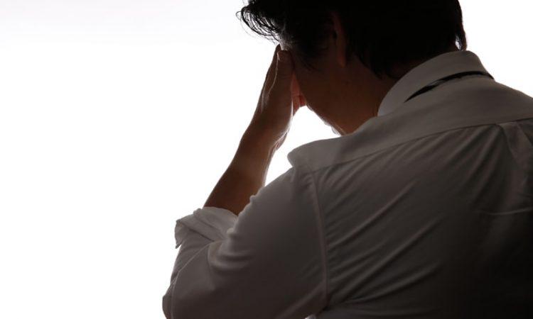 介護離職に悩む人